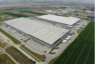 Savills advises Asian newcomer on the acquisition of five logistics parks in Poland