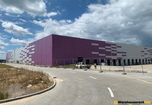 Warehouses to let in Warehouse Space in DL Invest Park